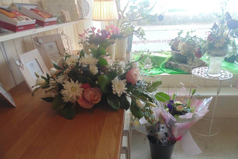funeral flower arrangements image 25