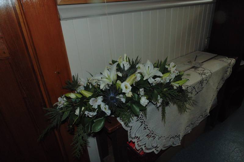 funeral flower arrangements image 29