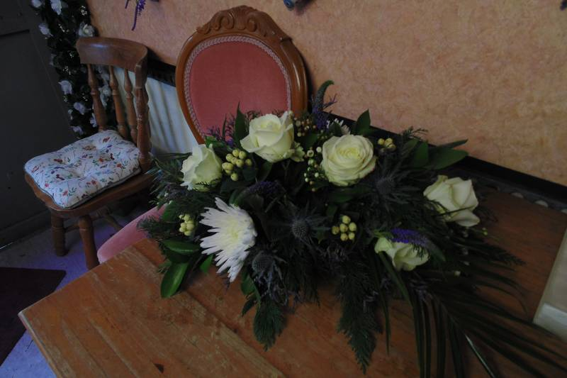 funeral flower arrangements image 31