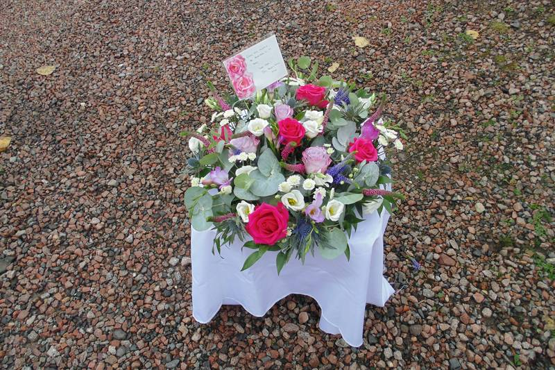 funeral flower arrangements image 41