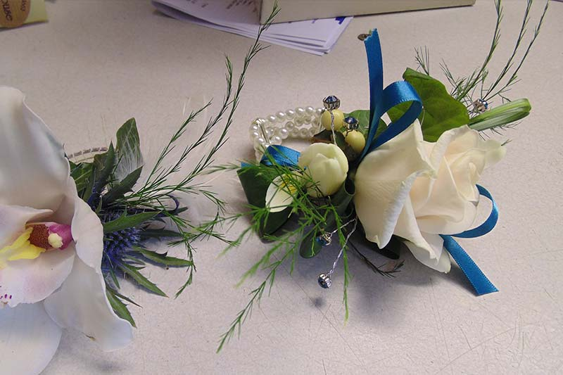 wedding flower arrangement 18