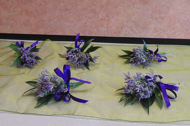 wedding flower arrangement 23