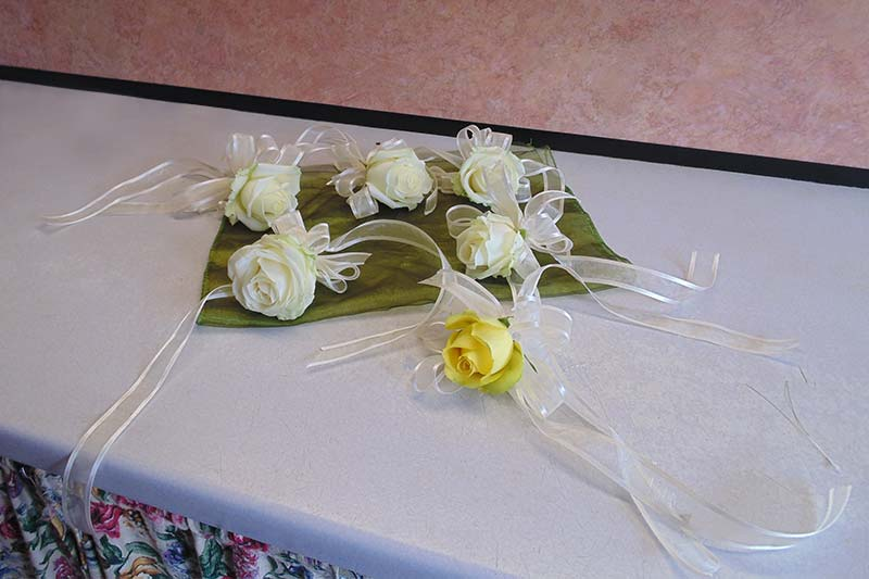 wedding flower arrangement 68