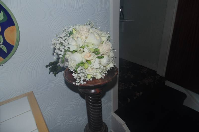 wedding flower arrangement 102