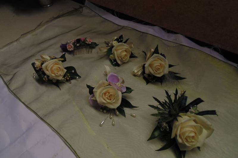 wedding flower arrangement 73