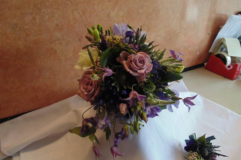 wedding flower arrangement 76