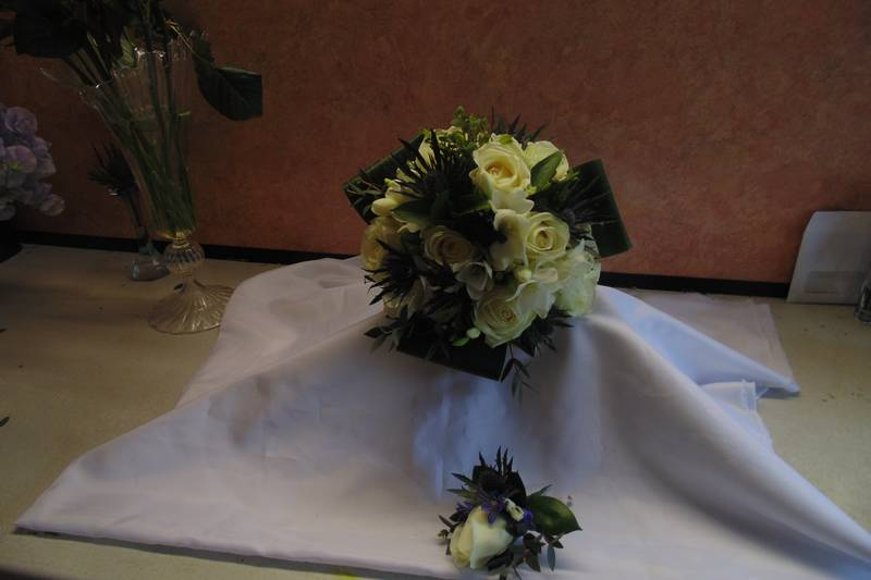 wedding flower arrangement 122