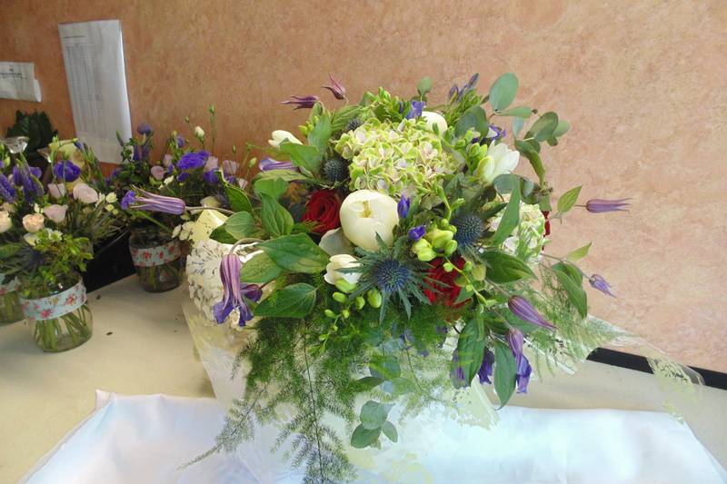 wedding flower arrangement 82