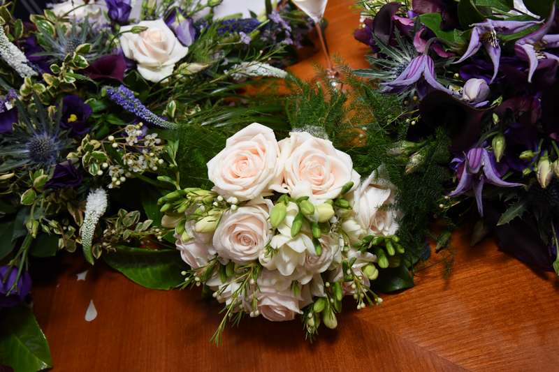 wedding flower arrangement - sept16-11