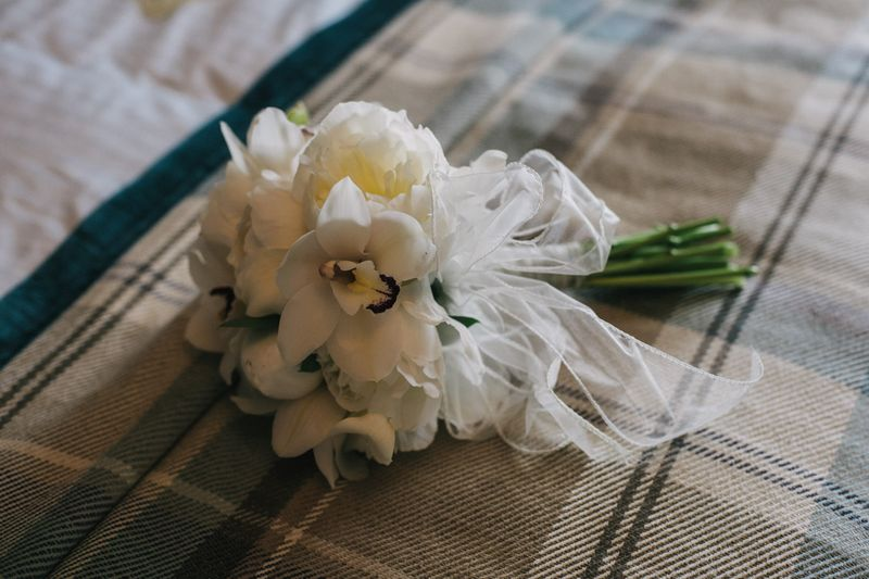 wedding flower arrangement - Amy and Gavin 1